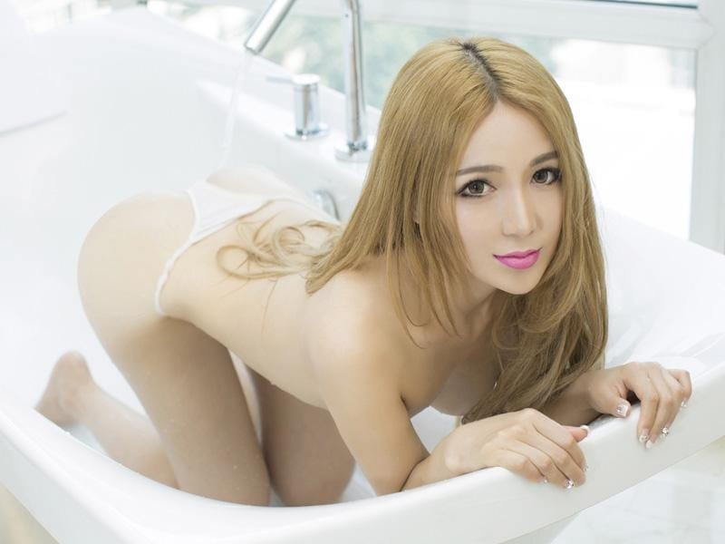 Asian-lady-borak-ola-lawa-3